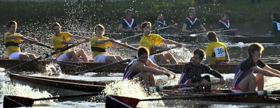 C4+ boats racing